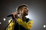 Fedez: 10 mila fan in delirio a Roma per il suo rap che critica il sistema