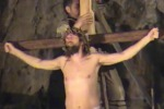 Cento personaggi in costumi d'epoca: a Trabia la Via Crucis vivente - Video