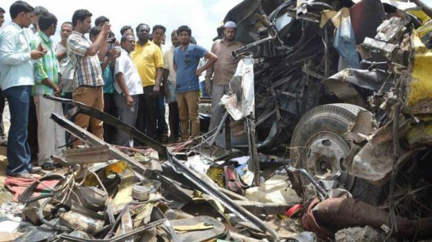 11 morti, AUTOBUS, incidente, india, Sicilia, Mondo
