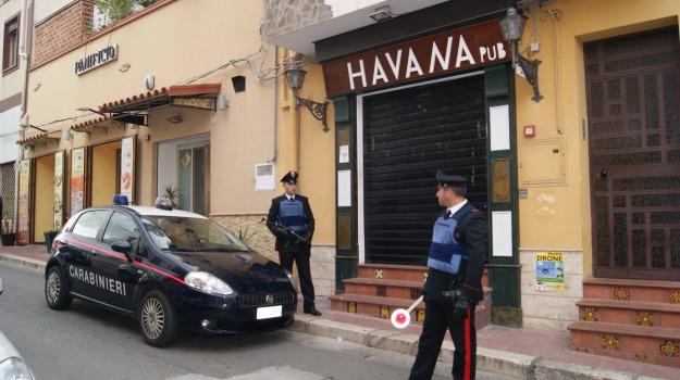 aggressione, carabinieri, pub, Palermo, Cronaca