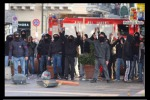 Scontri con la polizia, denunciati in 16 del Centro Anomalia - Video