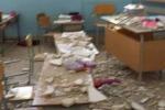 Crollano calcinacci alla scuola elementare, feriti due bambini