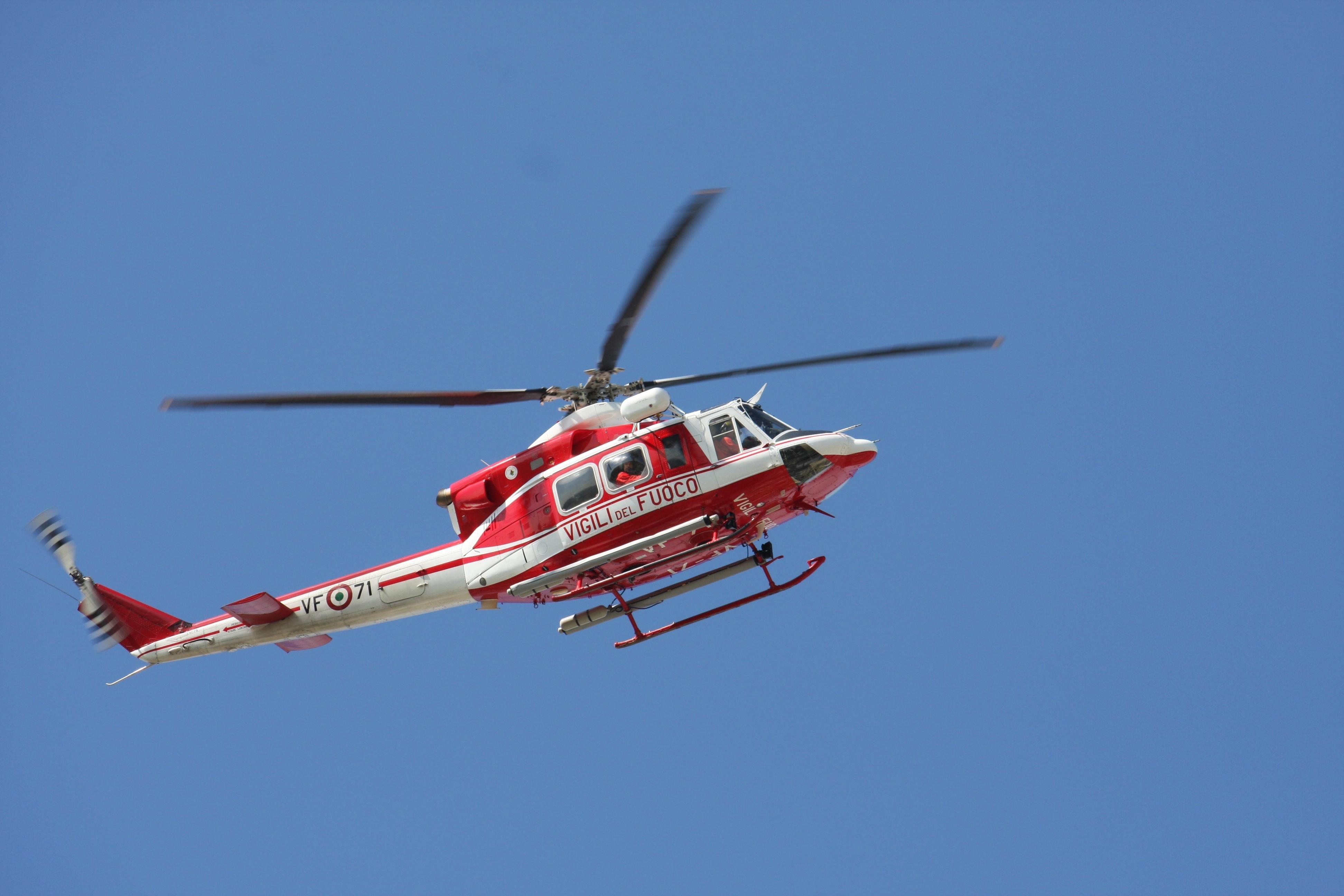 Un Elicottero : Avola due bagnanti in difficoltà salvati da un elicottero