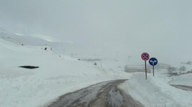 etna, neve, turisti soccorsi, Catania, Cronaca