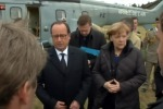 "Parigi, Hollande a Merkel: ""Germania faccia di più contro Isis"""