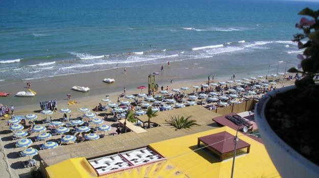 impresa balneare, presenze, spiagge, turismo, Sicilia, Economia