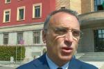 Catania, manifesti annunciano battesimo figlio pregiudicato: rimossi