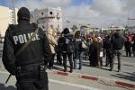 """A 5 anni dalla """"rivoluzione"""", torna la protesta sociale in Tunisia"""