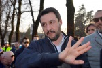 """Salvini: """"Migranti al nord, pronti a bloccare le prefetture"""""""