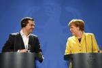 """Grecia, si riaprono i negoziati con l'Europa, Merkel: """"Evitare il default"""""""