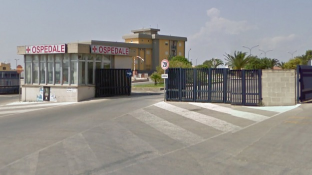 aggressione ospedale comiso, Ragusa, Cronaca