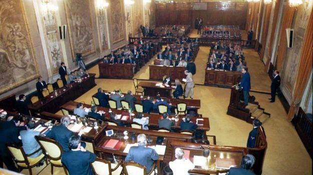 Lino Leanza, Sicilia, Politica