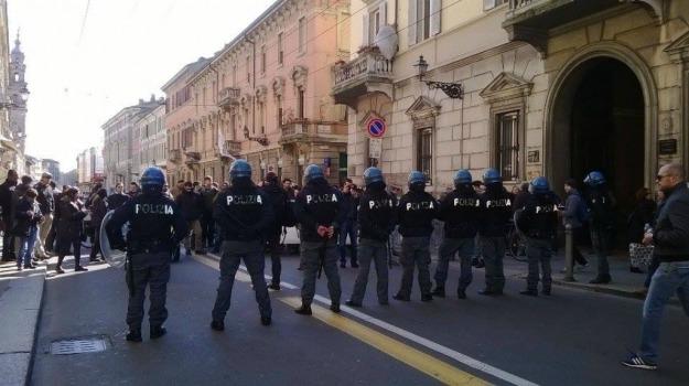 antagonisti, Lega Nord, manifestazione, parma, Matteo Salvini, Sicilia, Politica