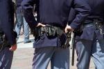 Furti in case e aziende agricole tra Modica e Vittoria: sgominata una banda