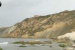 Punta Bianca, nuovo crollo lungo il costone sulla spiaggia