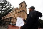 Il sequestro del campanile della Chiesa di San Francesco di Paola (foto Petyx)