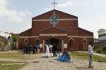Duplice attentato kamikaze alle chiese cristiane in Pakistan, giornata di lutto e dolore