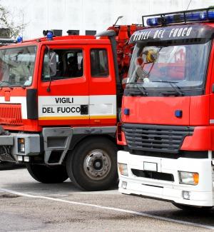 Incendio a un supermercato di Lampedusa, ingenti danni