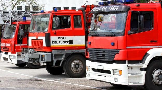 ast, fiamme, incendio, vigili del fuoco, Siracusa, Cronaca