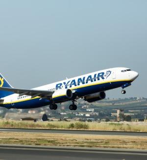 """La lettera di Ryanair ai piloti italiani: """"Non scioperate o sarete sanzionati"""""""