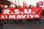 Almaviva accoglie l'appello del governo: stop ai trasferimenti