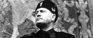 Foto di Mussolini esposta in un bar a Modica, associazione offre un legale al titolare denunciato