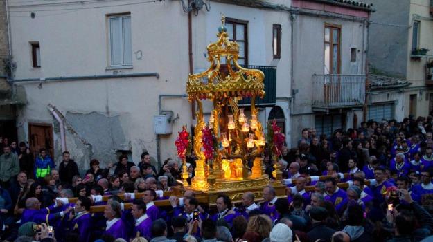 cristo nero, Pasqua, processione, Caltanissetta, Cultura