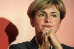 Il ministro Federica Guidi si dimette dopo la bufera sulle intercettazioni col compagno