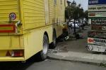 Freni rotti per un tir del circo Orfei, incidente a Piedimonte Etneo: coinvolte quattro auto - Foto