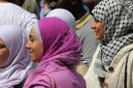 Arabia Saudita, donne allo stadio per la prima volta: sedute lontano da uomini single
