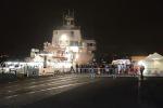 A Catania la nave con i superstiti del naufragio. Fermati due scafisti dell'imbarcazione