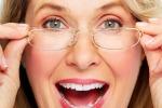Presbiopia, sì al dispositivo per dire addio agli occhiali