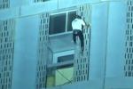 "Impresa a Dubai, 307 metri per 75 piani in soli 70 minuti: ""uomo ragno"" francese scala la Cyan Tower"
