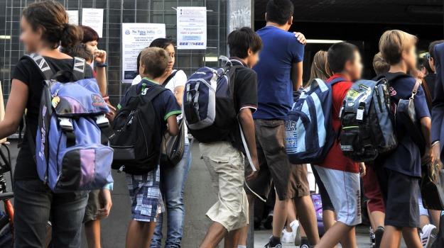 scuola, ultimo giorno di scuola, Sicilia, Società