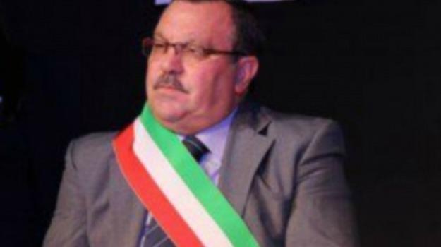 auto, incendio, intimidazione, Montevago, sindaco, Agrigento, Cronaca