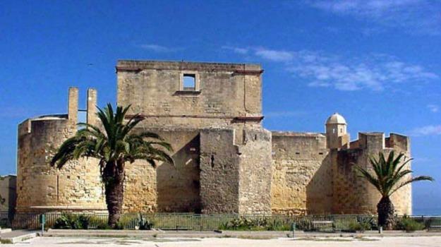 Castello di Brucoli, Siracusa, Cultura