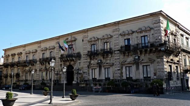 Comune Acireale, Roberto Barbagallo, Catania, Politica