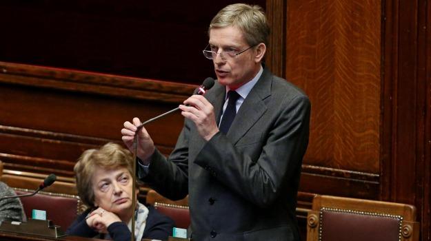 italicum, minoranza dem, pd, Senato, gianni cuperlo, Matteo Renzi, Sicilia, Politica