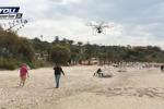 Sciacca, drone tra i bagnanti a Savareto