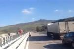 Frana sulla Palermo-Catania, cede un pilone - Video
