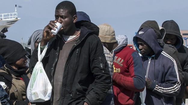 Censis, migranti, Sicilia, Cronaca
