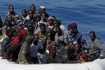 La mamma muore durante la traversata: una bambina di 9 mesi sbarca sola a Lampedusa