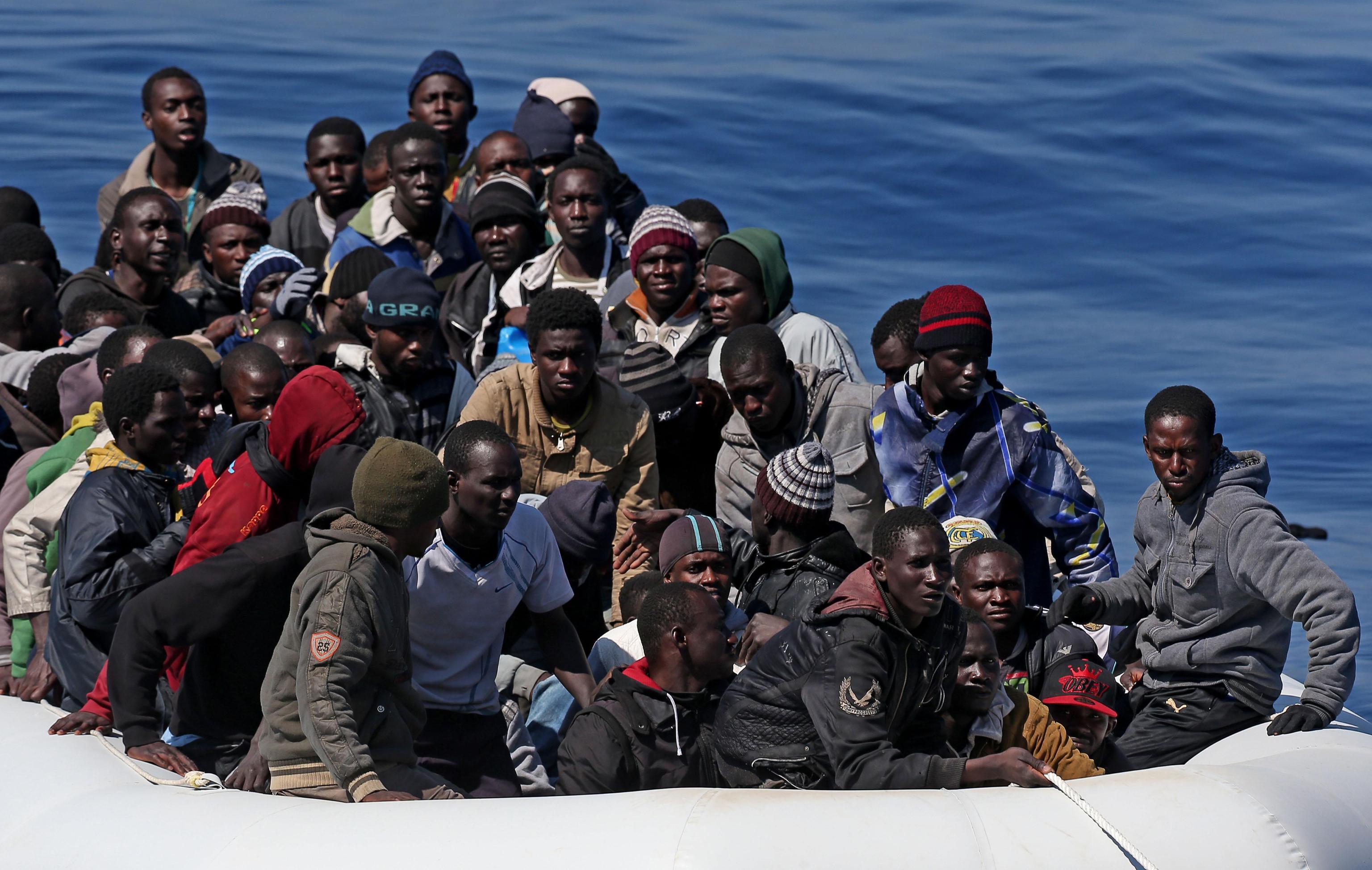 Per i tunisini sbarcati a Lampedusa da lunedì rimpatrio con voli charter