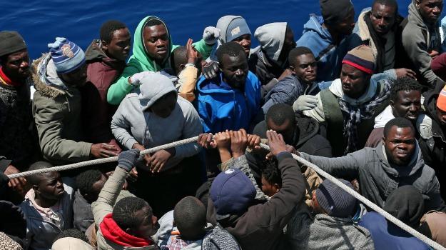 barcone, immigrazione, Messina, Cronaca