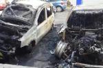 Nove auto in fiamme nella notte a Gela: ecco quel che resta - Video