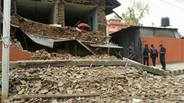 Nepal, terremoto, Sicilia, Mondo