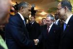 Obama incontra Raul Castro, a Panama una stretta di mano che fa la storia: le immagini - Foto