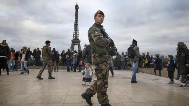 armato, arresto, attentati, fondamentalista islamico, parigi, Sicilia, Mondo