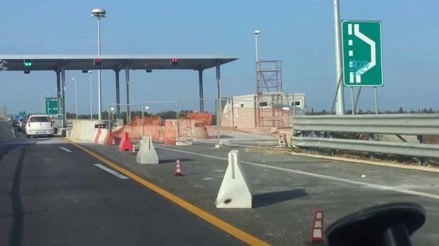 autostrada ragusa-catania, Catania, Economia