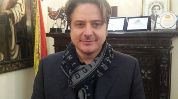 intimidazione, sindaco, Palermo, Cronaca